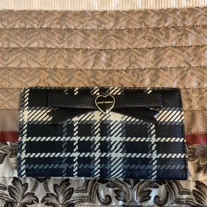 """Betsey Johnson Wallet 7"""" x4"""". In  good cond"""